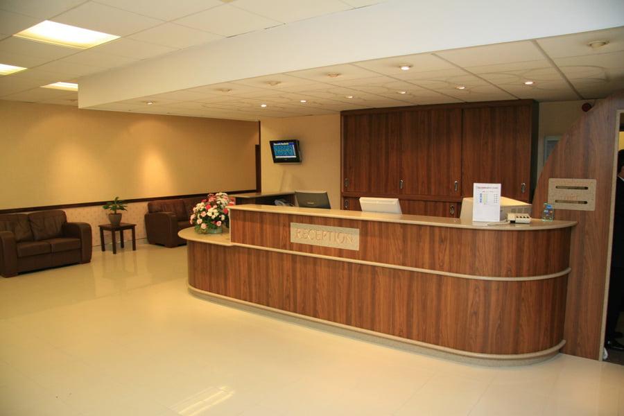 Image gallery hotel reception desk for Hotel reception design