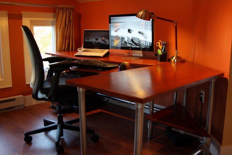Custom puter Desk