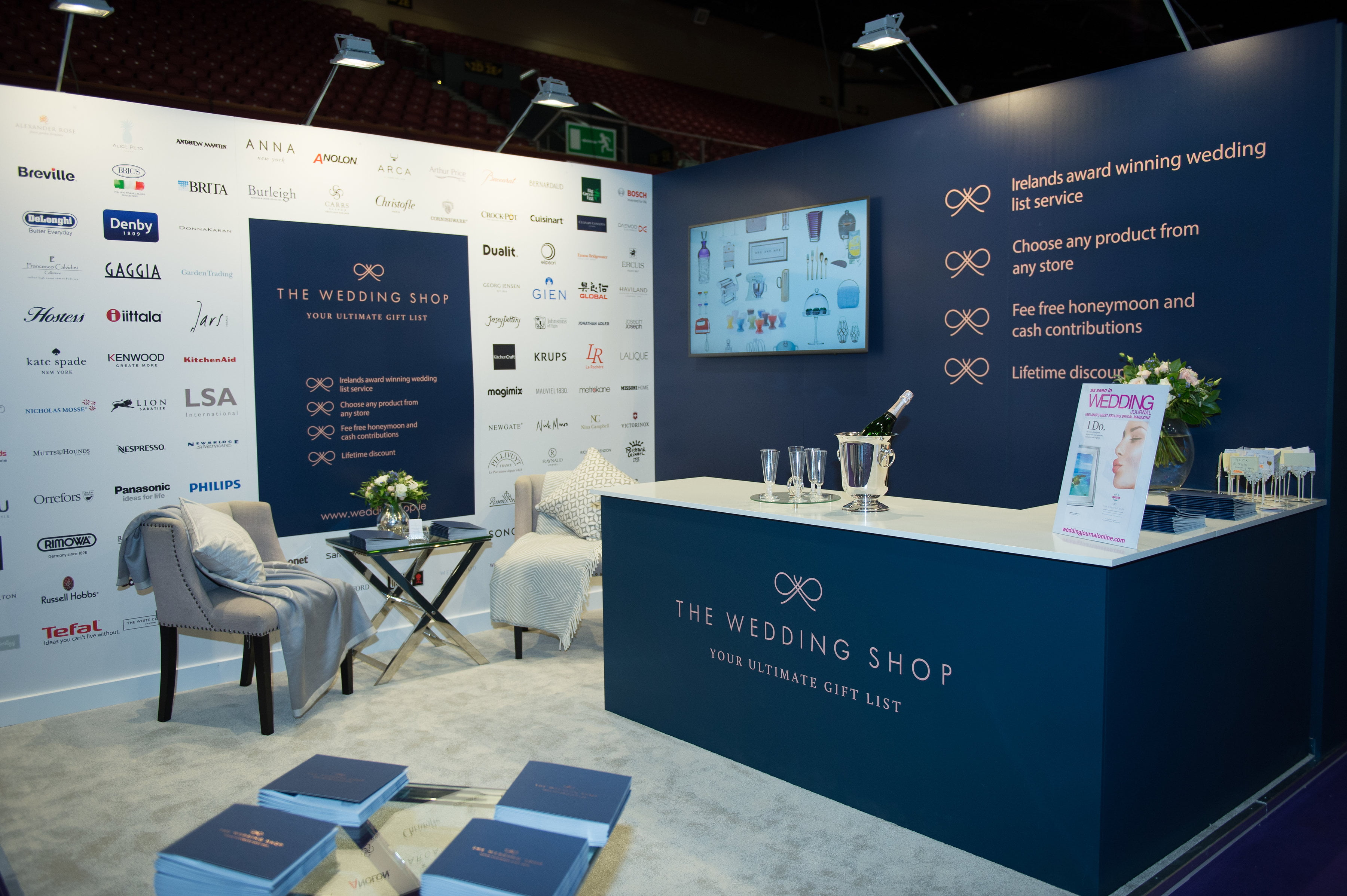 Exhibition Stand Fittings : Exhibition stands with upholstery fitting custom made