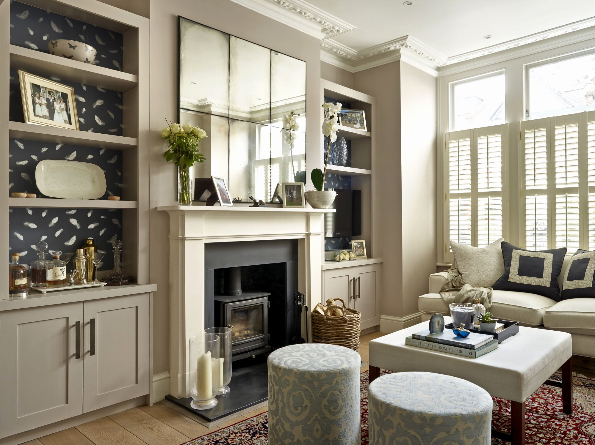Alcove units built in tv units alcove shelving dublin for Wall pictures for living room ireland