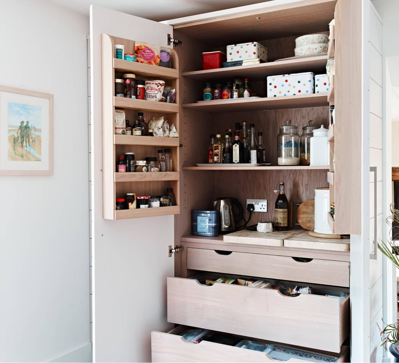 Pantry Units | Bespoke Kitchen Units & Pantry Cabinets